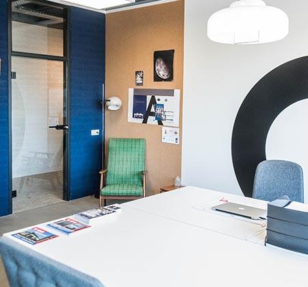 https://www.apollo-workspaces.nl/wp-content/uploads/2018/02/detail-kantoor-opslagunit.jpg